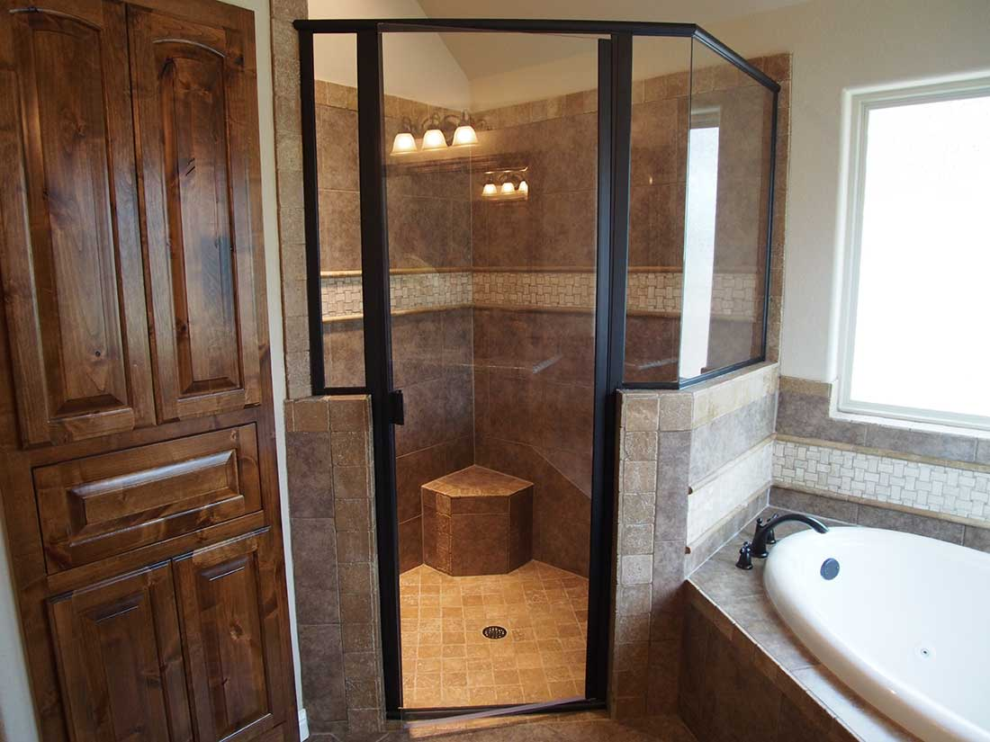 Don holmes custom homes custom bathroom photo gallery for Custom bathrooms
