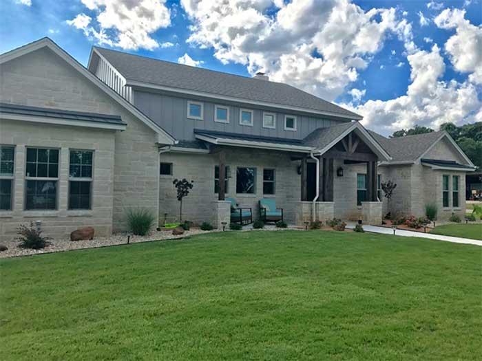 Deleon-featured-custom-homes-1-2018-1