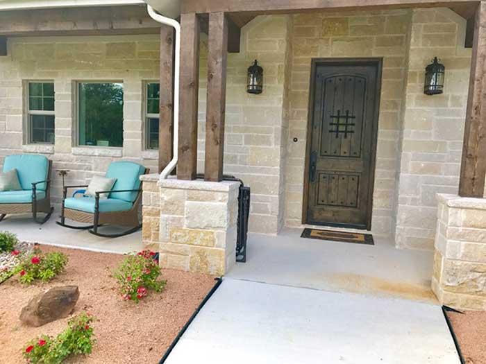 Deleon-featured-custom-homes-1-2018-12