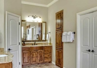 Don-Holmes-Custom-Homes-Granbury-Texas-bathrooms-2017-1